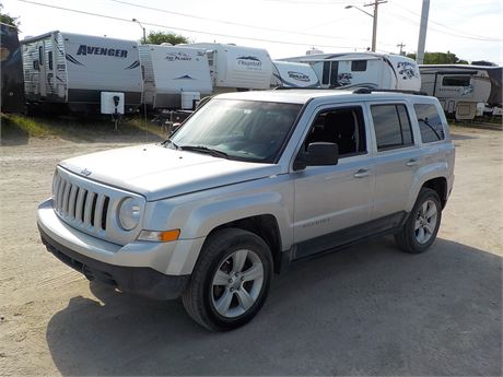 stewart belland sales lot 3353 2011 jeep patriot north. Black Bedroom Furniture Sets. Home Design Ideas